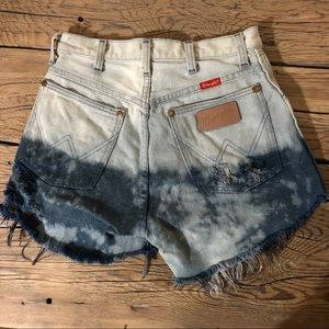 Dip-dyed High Waisted Cut Off Festival Shorts